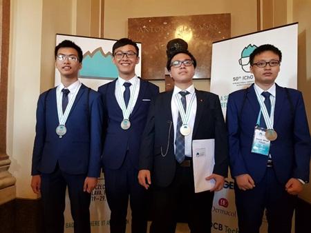 4 thành viên đoàn Việt Nam tham dự Olympic Hoá học quốc tế 2018 của Việt Nam dành huy chương quốc tế