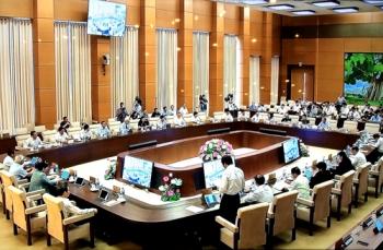 UBTVQH cho ý kiến về dự án Luật Dân quân tự vệ (sửa đổi)