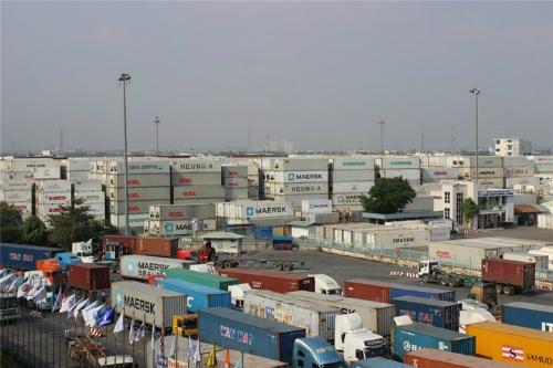 tphcm hang nghin container phe lieu nam cho chu suot nhieu thang lien