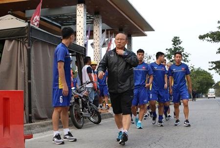 Chủ nhà ASIAD 18 Indonesia lý giải thế nào về việc tuyển Olympic Việt Nam không có sân tập?