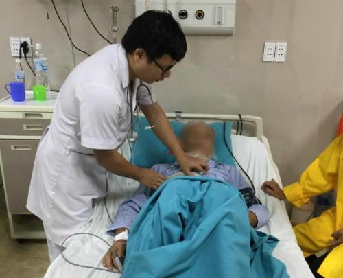 Bệnh nhân bị sốc phản vệ sau khi mua thuốc điều trị ho tại nhà