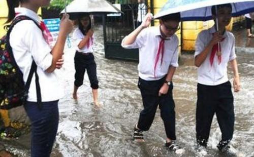 GD&ĐT Hà Nội ra công văn chỉ đạo các cơ sở giáo dục đảm bảo an toàn cho cán bộ, giáo viên, học sinh khi bão số 4 đổ bộ