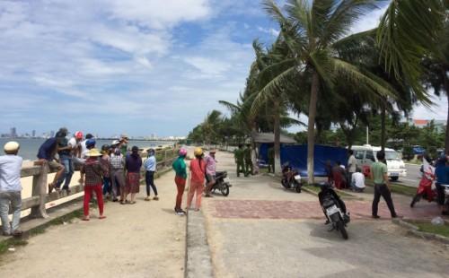 Đà Nẵng: Phát hiện thi thể nam thanh niên trôi trên biển