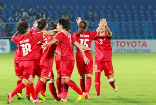 Tuyển nữ Việt Nam thắng kịch tính 3-2 trước Thái Lan, giành vé vào tứ kết ASIAD