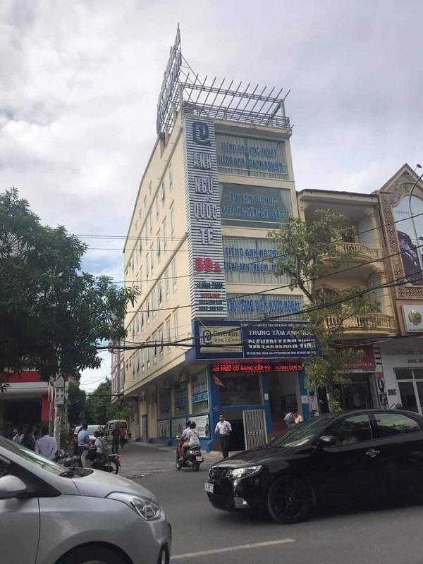 Nghệ An: Thầy giáo nước ngoài rơi từ tầng 4 trung tâm Anh ngữ xuống đất tử vong