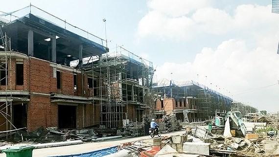 Hưng Lộc Phát xây 110 căn biệt thự 'không phép', Sở Xây dựng TPHCM phê bình đội thanh tra