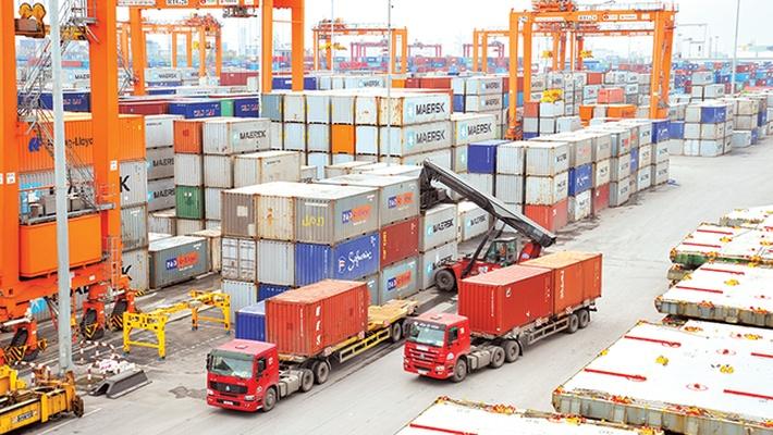 Kim ngạch xuất nhập khẩu đạt 311 tỷ USD, xuất siêu gần 3 tỷ USD