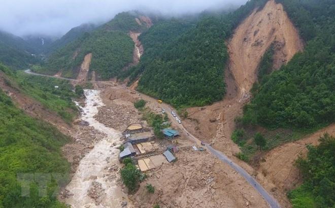 Ảnh hưởng bởi hoàn lưu áp thấp nhiệt đới, Bắc Bộ, Bắc Trung Bộ có mưa lớn, cảnh báo lũ quét, sạt lở đất