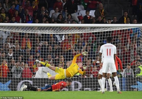 Đánh bại Tây Ban Nha, Anh vươn lên vị trí đầu bảng UEFA Nations League 2018