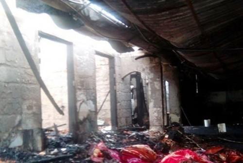 Cháy lớn thiêu rụi kho chăn ga gối đệm ở Nghệ An, thiệt hại 8 tỷ đồng