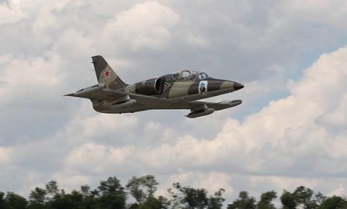 Máy bay quân sự của Nga lao xuống biển khi huấn luyện, phi công mất tích