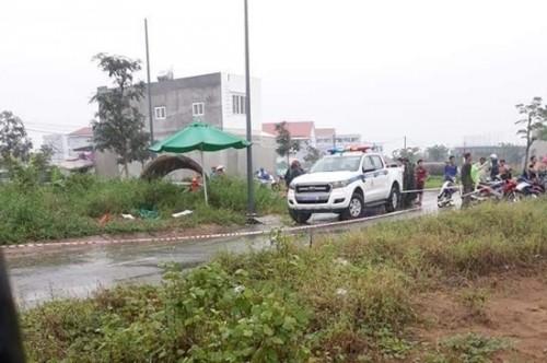 TPHCM: Điều tra vụ phát hiện thi thể thanh niên mặc áo GrabBike trong bụi cây