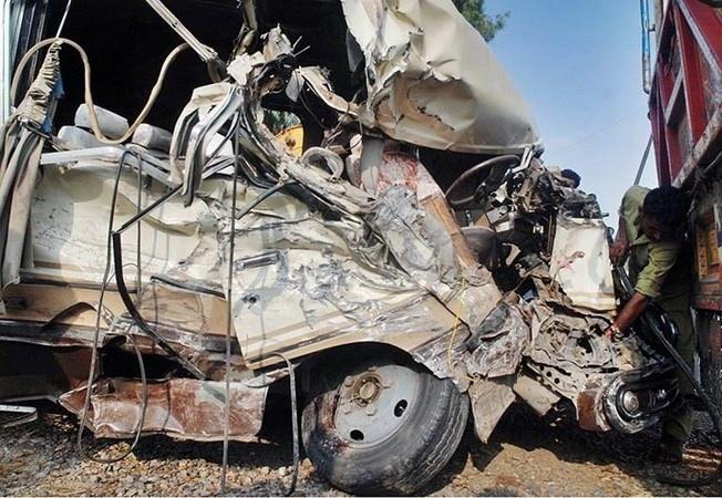 TNGT thảm khốc ở Pakistan khiến ít nhất 19 người thiệt mạng và hơn 40 người bị thương