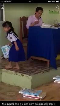 Ném vở học sinh xuống đất sau khi chấm bài, cô giáo thanh minh: 'Chỉ là vô tình bỏ xuống'