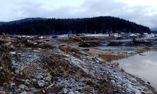13 người thiệt mạng trong vụ vỡ đập ở mỏ vàng tại Nga