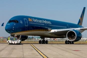 xac dinh nguyen nhan khien may bay a350 cua vietnam airlines bi xit lop khi ha canh tai san bay noi bai