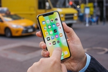 iphone x va macbook pro bi loi phan cung apple hua sua mien phi