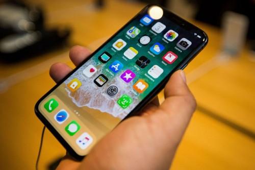 Apple chính thức xác nhận lỗi liên quan đến màn hình trên iPhone X và máy tính xách tay MacBook Pro 13-inch