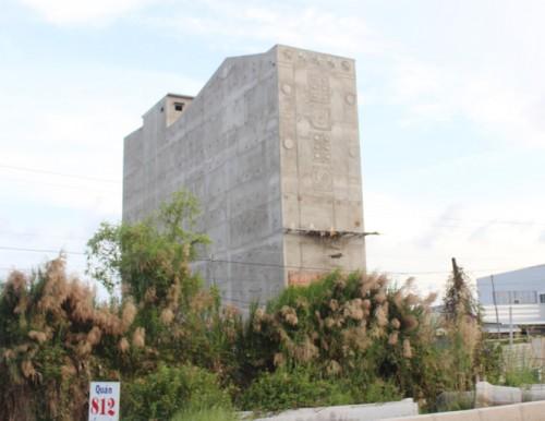 Bạc Liêu: Để cây thước nhôm chạm vào dây điện trong lúc xây nhà, một thợ hồ tử vong