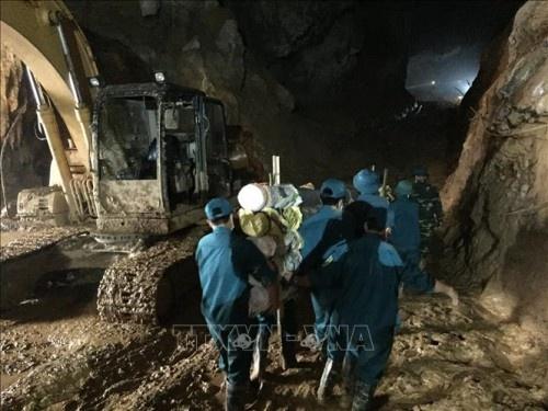 Tìm thấy thi thể phu vàng cuối cùng vụ tai nạn sập hang khai thác vàng trái phép ở Hòa Bình