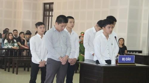 Đà Nẵng: 6 thanh niên lĩnh án tù vì kéo nhau đến quán internet chém người do mâu thuẫn trên Facebook