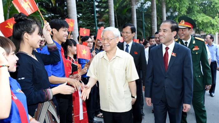 bo chinh tri cong tac dan toc la van de chien luoc co ban lau dai cap bach