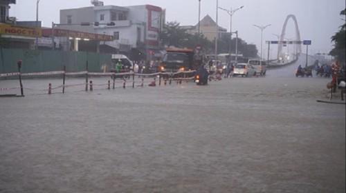 Con số thiệt hại do mưa lũ ở miền Trung đang tăng