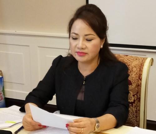 eximbank khang cao ba chu thi binh rut het 245 ty dong