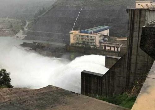 Thừa Thiên - Huế: Thủy điện Hương Điền xả lũ, sơ tán hàng trăm hộ dân
