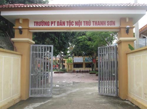 phu tho cong an vao cuoc xac minh thong tin hang chuc hoc sinh bi hieu truong lam dung