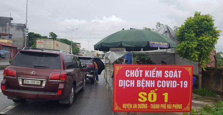 Nữ cán bộ y tế trực chốt kiểm soát Covid-19 trên đường về nhà ăn cơm bị tai nạn giao thông tử vong thương tâm