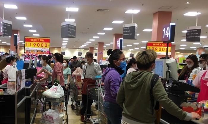 Đi chợ, đi siêu thị phải đeo khẩu trang, giữ khoảng cách 2 m