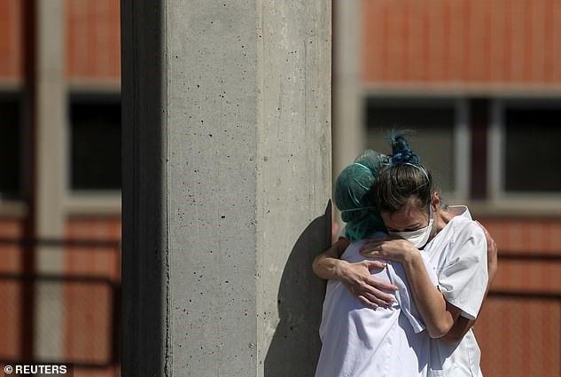 Italy có gần 1.000 người chết trong ngày, Tây Ban Nha cũng ghi nhận số người chết tăng kỷ lục