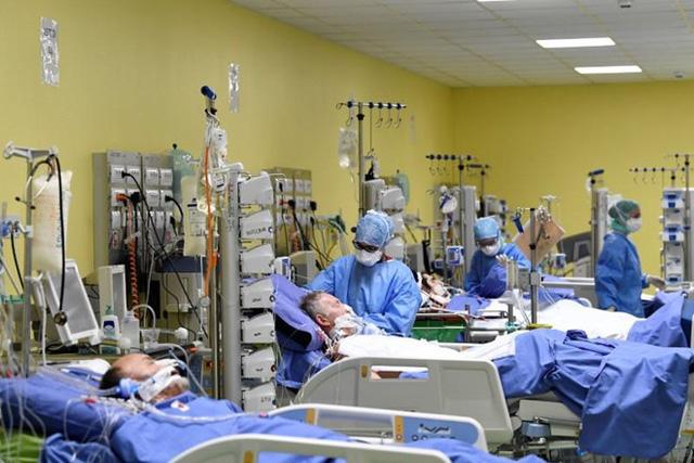 Italy vẫn chìm trong đau thương khi số ca tử vong tăng thêm hơn 800 ca mới