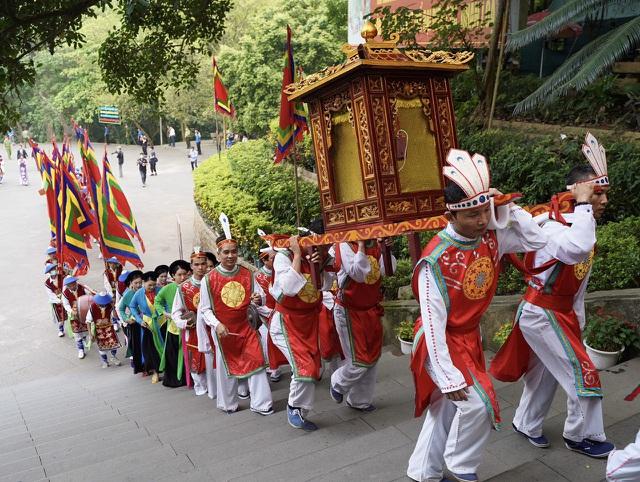 Đền Hùng đón khoảng 150.000 lượt khách trong ngày chính lễ 10/3