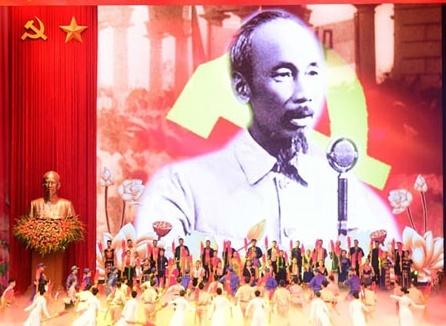 Long trọng tổ chức lễ kỷ niệm 130 năm Ngày sinh Chủ tịch Hồ Chí Minh