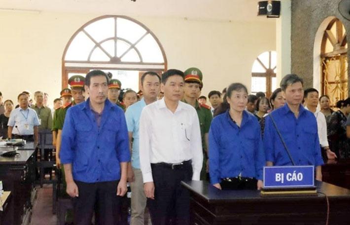 Vụ gian lận điểm thi ở Sơn La sẽ được mở lại phiên xét xử sơ thẩm sáng nay