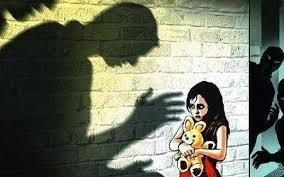 Bé gái 15 tuổi nghi bị bố đẻ xâm hại tình dục trong thời gian dài