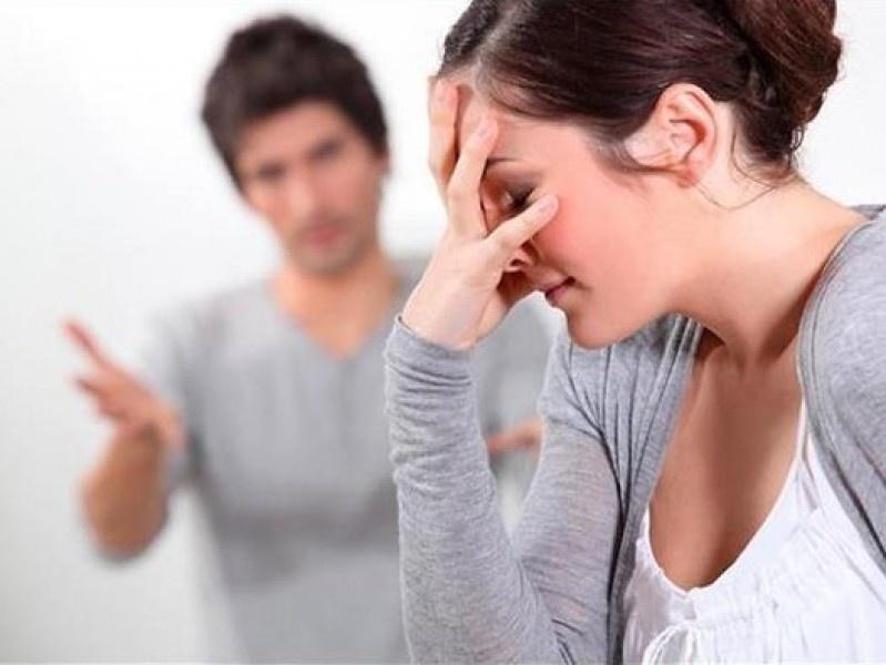 Uất nghẹn với người chồng 'mở miệng ra là chê bai vợ'