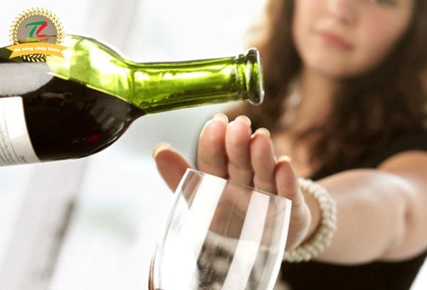 Lôi kéo người khácuống rượu, biabị phạt đến 3 triệu đồng