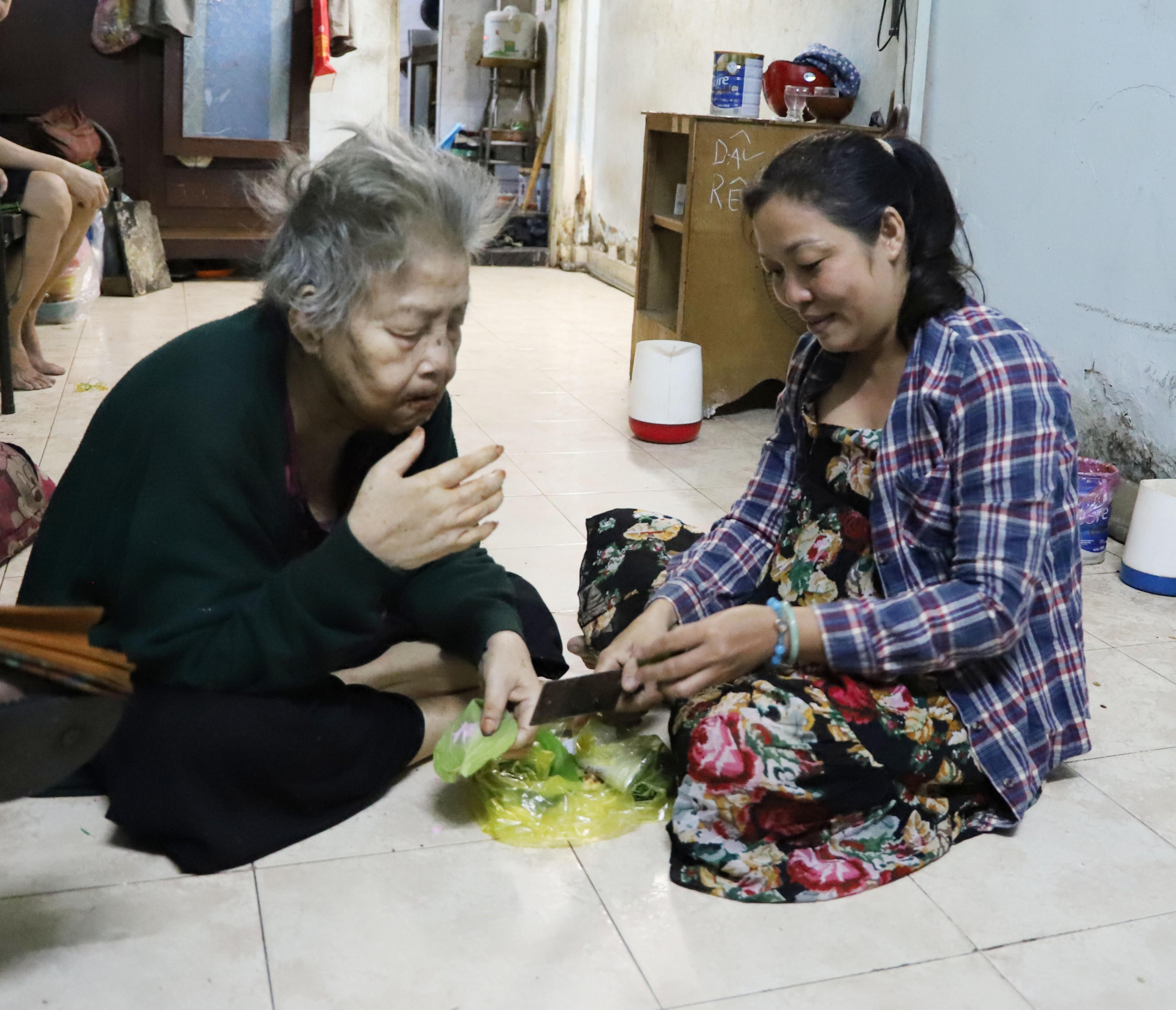 Con dâu 18 năm hiếu thuận với mẹ chồng