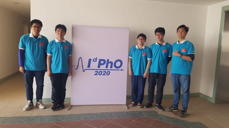 Niềm đam mê nghiên cứu khoa học của một học sinh lớp 11 vừa đạt giải Huy chương Bạc Olympic Vật lý quốc tế 2020