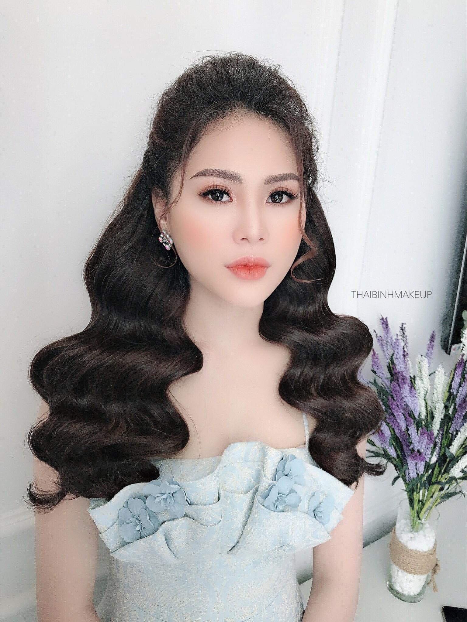 Nguyễn Thị Ngọc Ngân Gấp Rút Chuẩn Bị Cho Nữ Hoàng Tài Năng Và Sắc Đẹp 2019