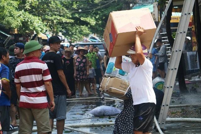 Vụ cháy ở TP Thanh Hóa: Khi sự hiếu kỳ của người dân lên đến đỉnh điểm sẽ thế nào?