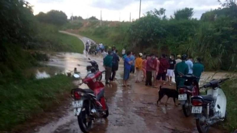 Thanh Hóa: Một người đàn ông bị nước cuốn trôi khi đi qua đập tràn