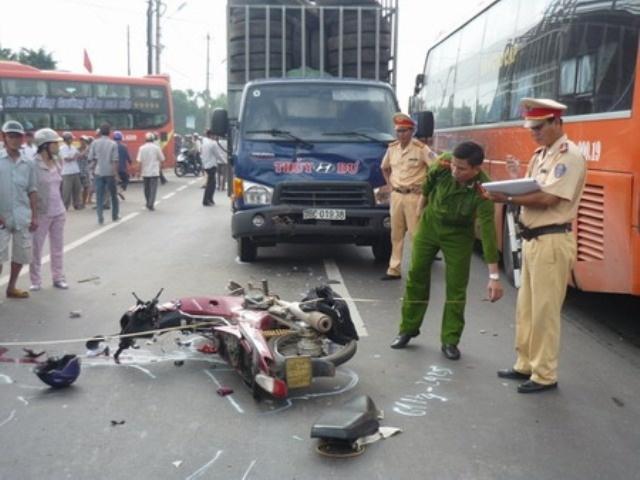 Tổ công tác 141 đưa nạn nhân tai nạn cấp cứu kịp thời ngày mùng 1 Tết
