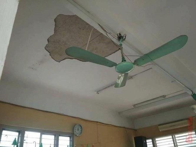 Hà Nội: Sập trần trường THPT Trần Nhân Tông