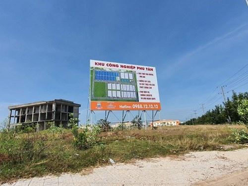 """Kim Oanh Group """"xẻ thịt"""", huy động vốn trái phép tại dự án """"chết"""""""