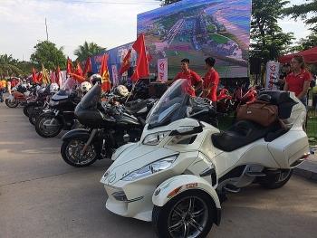 Hàng nghìn biker tham dự Đại hội mô tô Việt Nam 2019 tại Tuần Châu