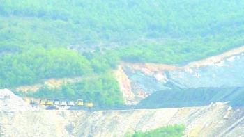 Vụ núp bóng nhà máy xử lý rác thải để khai thác than trái phép: Giao TKV vận chuyển than ra khỏi nhà máy xử lý rác